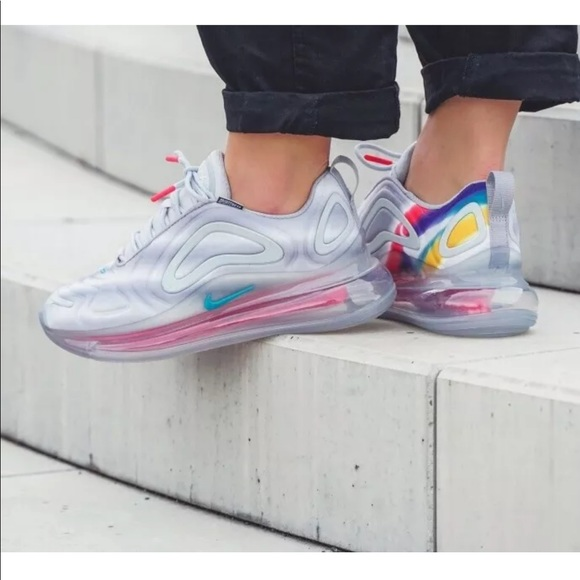 Women's Nike Air Max 720 Teal Nebula Sneakers NWT
